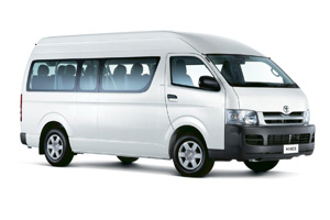 toyota-hiace-bali-oka-driver-with-awesome-tour